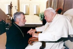 + AA Juan Pablo II sep. 2004 BIS